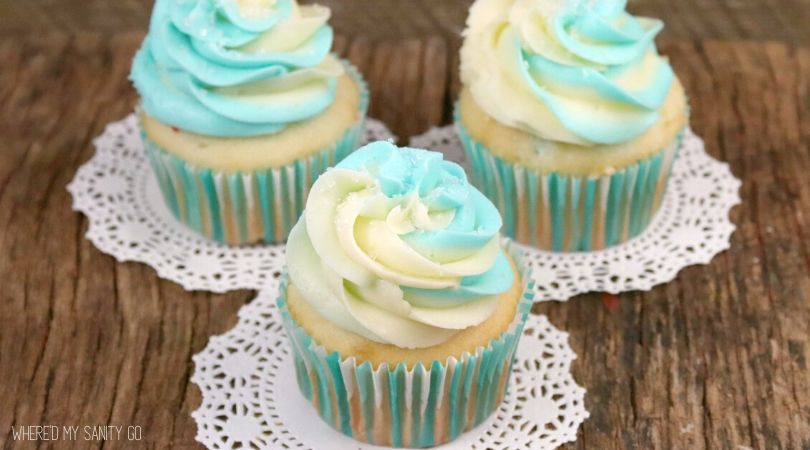 Vanilla Almond Winter Cupcakes with Marshmallow Cream Cheese Frosting