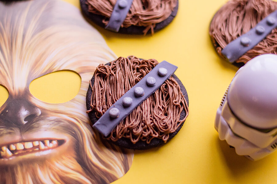 Darth Vader Cupcakes - Star Wars Treats and Snacks To Make with Kids