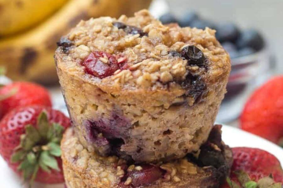 Mixed Berry Oatmeal Cups